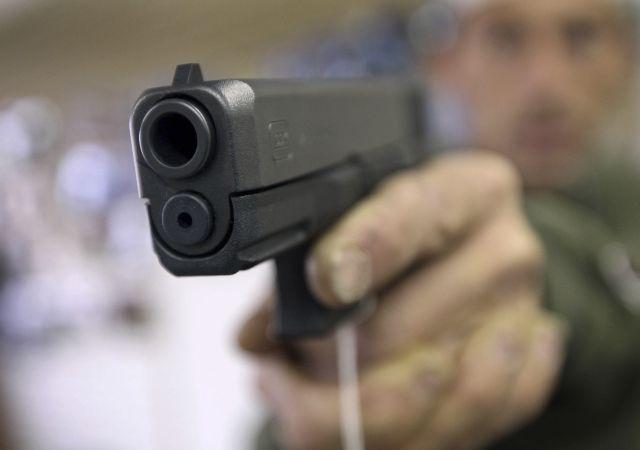 Άλμα στους ελέγχους ποινικού μητρώου για άδειες όπλων στις ΗΠΑ τον Δεκέμβριο