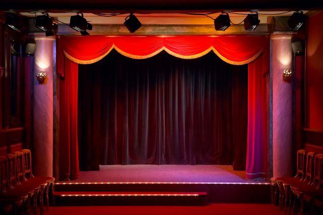 Προειδοποίηση για λουκέτο σε 34 θέατρα της Αθήνας που δεν διαθέτουν άδεια