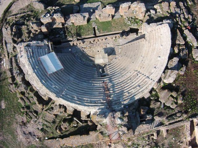 Σύντομα επισκέψιμο το Μεγάλο Θέατρο της Νικόπολης