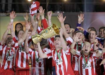 Η Μπάγερν Μονάχου κατέκτησε και το Κύπελλο Γερμανίας, 4-0 την Βέρντερ Βρέμης