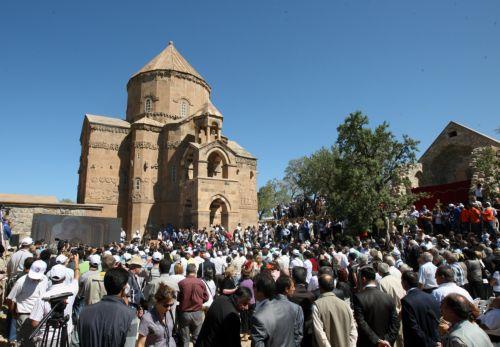 Ιστορική λειτουργία σε αρμενικό ναό της νοτιοανατολικής Τουρκίας