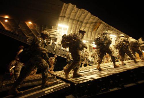 Αίρεται ο περιορισμός για τη θητεία των ομοφυλόφιλων στο στρατό των ΗΠΑ