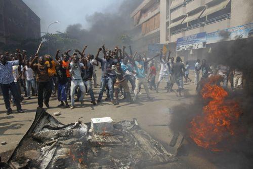 Δύο… προεδρικές ορκωμοσίες στην Ακτή του Ελεφαντοστού, μετά την αμφιλεγόμενη κάλπη