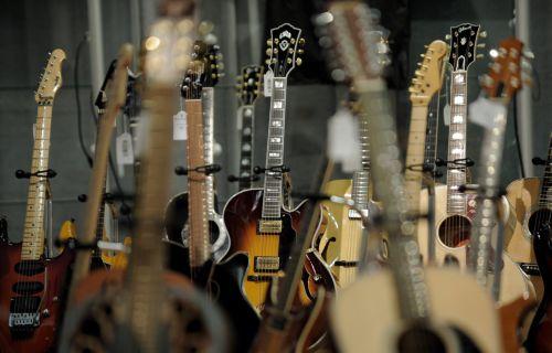 Ελεύθερη Μουσική δυνητικά σε χιλιάδες καταστήματα