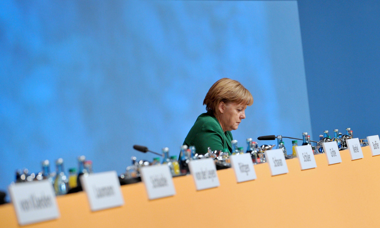 Ευρω-ομόλογο μόνο με παρέμβαση στους εθνικούς προϋπολογισμούς,  λέει το Βερολίνο