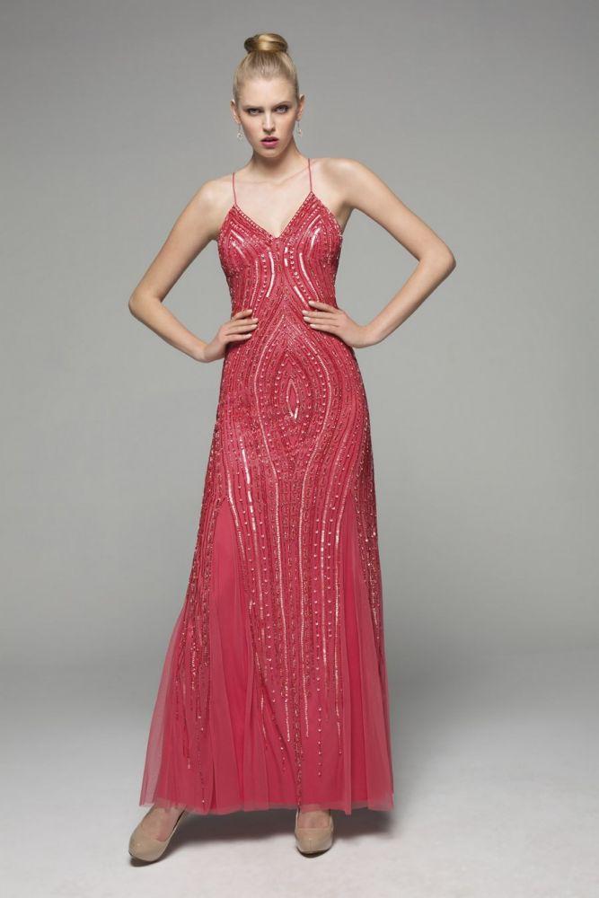 71be189fc6bc Θα γίνεις κουμπάρα; Βρήκαμε 30 υπέροχα φορέματα για σένα | in.gr