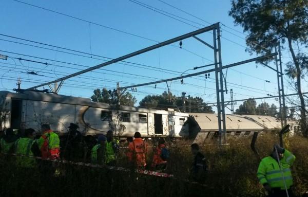 Ένας νεκρός, 100 τραυματίες από σύγκρουση τρένων κοντά στο Γιοχάνεσμπουργκ