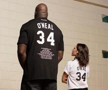 1a4bc4843137 Τα νέα μπλουζάκια της Βικτόρια Μπέκαμ και του Σακίλ Ο  Νιλ