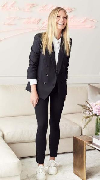 ... γόβες ή ψηλοτάκουνα πέδιλα το μαύρο blazer είναι μία κατηγορία από μόνο  του και θα σε βγάλει ασπροπρόσωπη με αμέτρητους συνδυασμούς και εμφανίσεις  για ... 8117df0157e