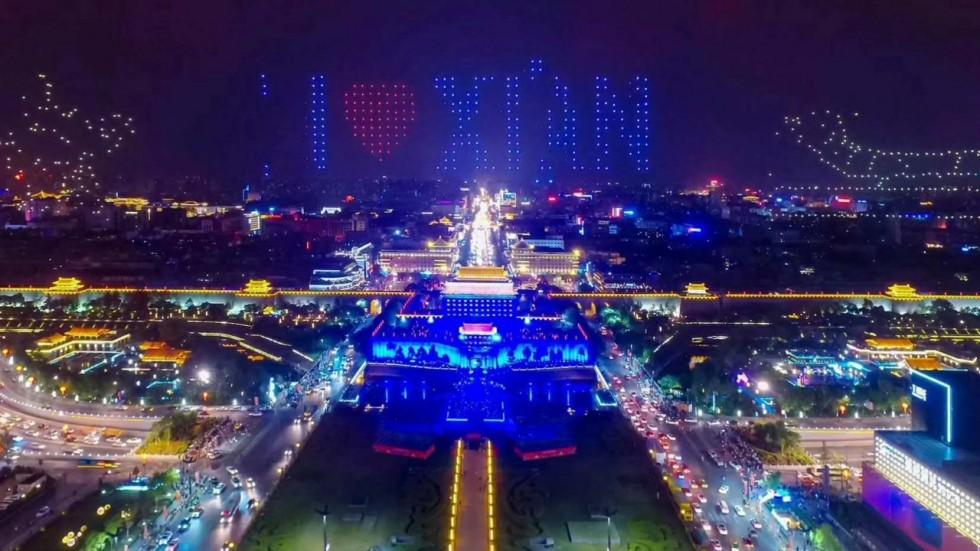 Ταυτόχρονη πτήση για 1.374 κινεζικά drones