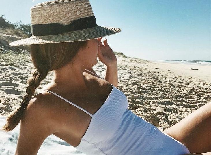 Το check-list για τις εμφανίσεις στην παραλία  01d51fcb5c4
