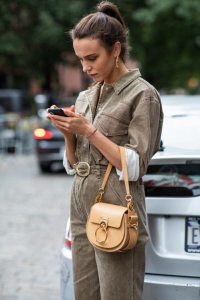 ... «τι να φορέσω σήμερα » ή στο «ψάχνω κάτι βολικό για κάθε μέρα».  Προορισμένο για όλες τις μέρες και ώρες είναι το ρούχο που θα σας «λύσει»  τα χέρια και ... 40b4d894214