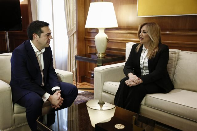 «Πόλεμος» ΣΥΡΙΖΑ κατά ΚΙΝΑΛ – Γιατί ο Τσίπρας έβαλε στο στόχαστρο την Κεντροαριστερά | in.gr