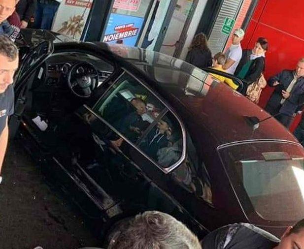 Ρουμανία: I.X σκόρπισε τον πανικό σε εμπορικό κέντρο