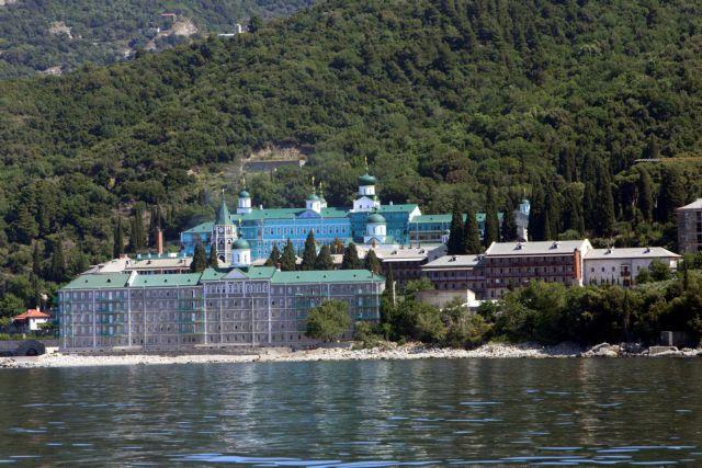 Guardian: Πώς η ρωσο-ουκρανική ένταση επηρέασε και το Άγιο Όρος