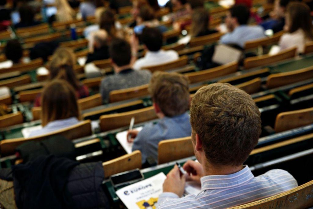 Τον παραδοσιακό τρόπο διδασκαλίας προτιμούν οι φοιτητές
