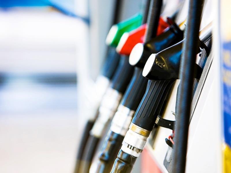 «Σπάει» όλα τα ρεκόρ η φορολογία της βενζίνης στην Ελλάδα