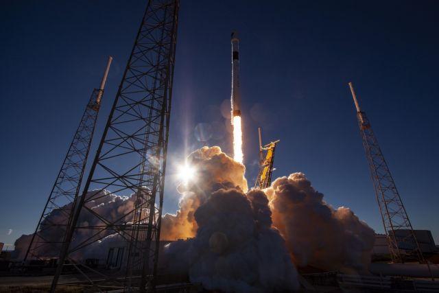 Η Space X εκτόξευσε δορυφόρο GPS νέας γενιάς από το Κανάβεραλ | in.gr
