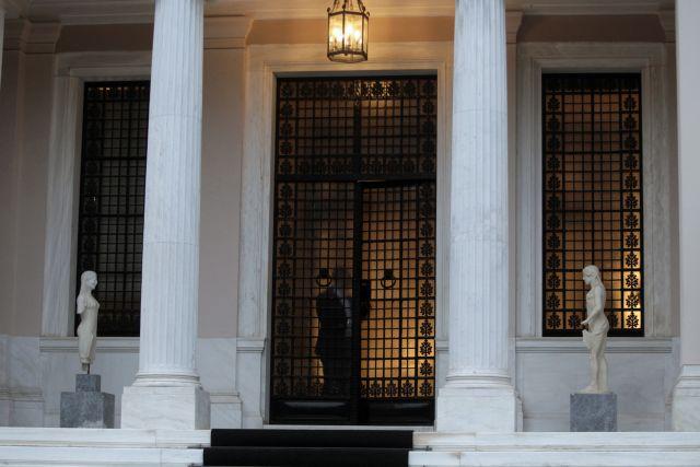Αμήχανη η κυβέρνηση απέναντι στις προκλήσεις Ζάεφ