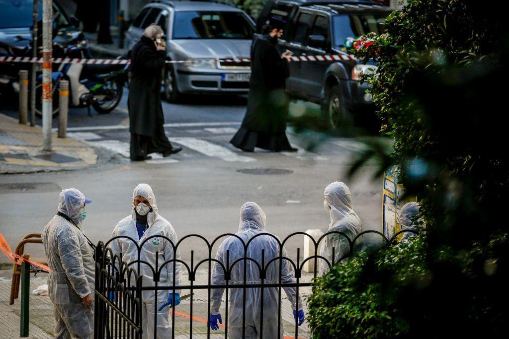 17441449fe Εξερράγη μηχανισμός έξω από εκκλησία στο Κολωνάκι – Τραυματίστηκε  αστυνομικός και νεωκόρος