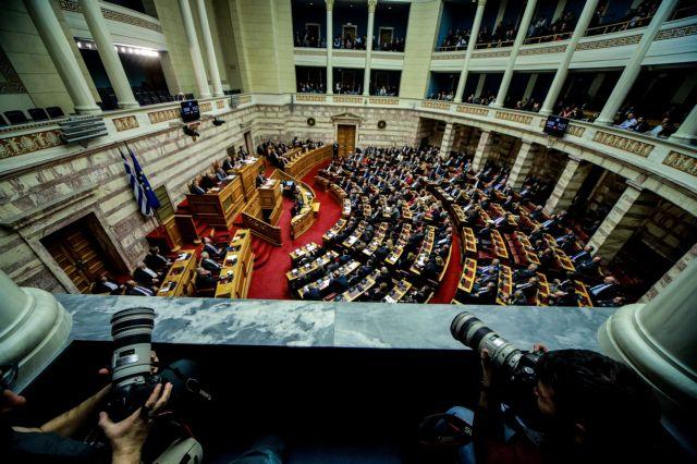 Οι Πρέσπες διαλύουν τα μικρά κόμματα – Δεν μένει τίποτε όρθιο στο πολιτικό σκηνικό | in.gr