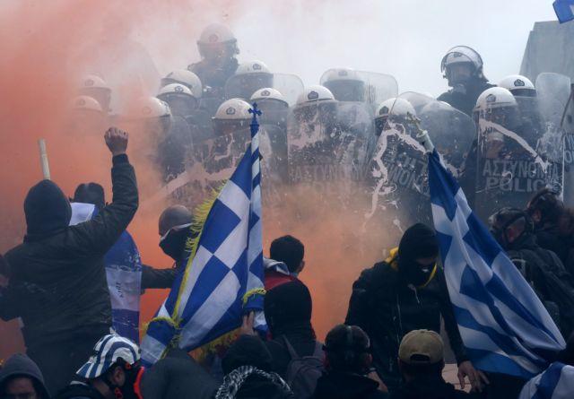 Αστυνομικοί κατά κυβέρνησης: Εσείς μας δίνετε τα χημικά που ρίχνουμε | in.gr