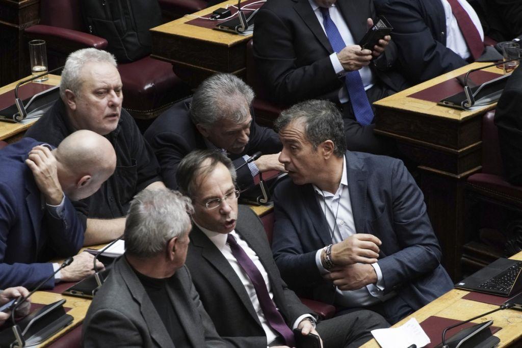 Μεγάλο πολιτικό παζάρι για το Μακεδονικό – Οι φήμες και οι «151» που δεν βγαίνουν | in.gr