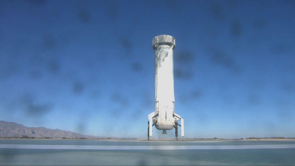 Με επιτυχία η 10η δοκιμαστική πτήση του επαναχρησιμοποιούμενου πυραύλου της Blue Origin του Μπέζος