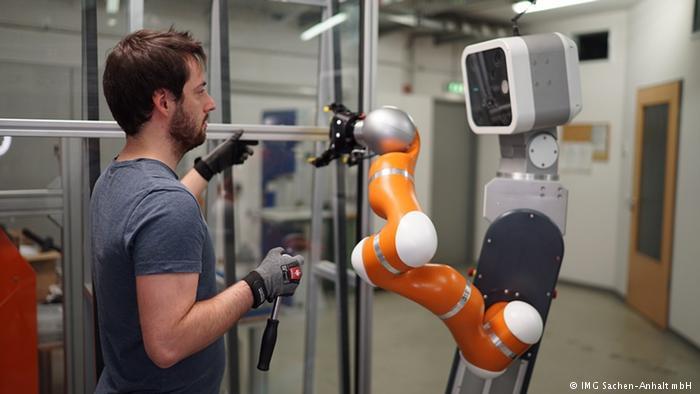 Το ρομπότ – σύμμαχος ή ανταγωνιστής;   in.gr