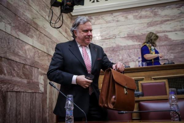 Βουλή : Το σενάριο της πρότασης μομφής και ο πόλεμος για το Σύνταγμα της ΠΓΔΜ