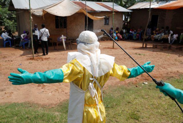 Σαρώνει ο Έμπολα τη ΛΔ Kονγκό – Ξεπέρασαν τους 400 οι νεκροί