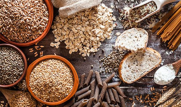 Πιο υγιείς όταν τρώμε φυτικές ίνες και δημητριακά | in.gr
