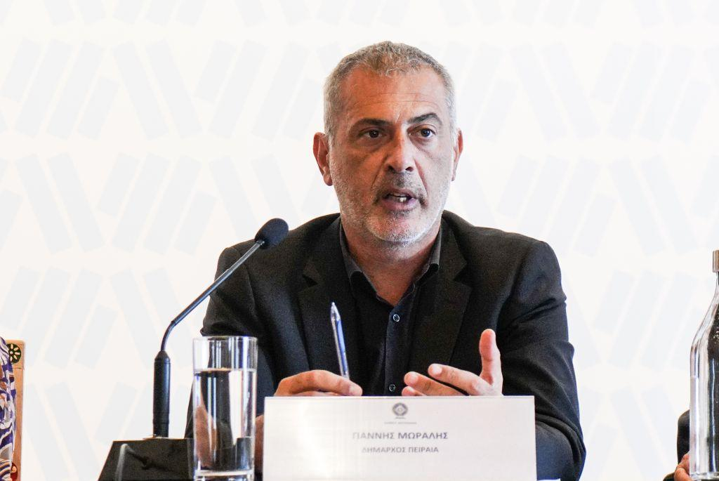 Γιάννης Μώραλης: Ήρθε η ώρα να αναδείξουμε την ομορφιά του Μικρολίμανου | in.gr