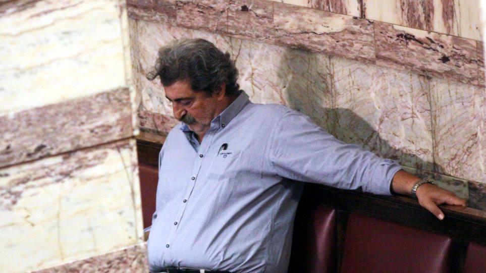 Νέα επίθεση από την «Εφημερίδα των Συντακτών» στον Πολάκη – «Επρεπε να έχει πάει σπίτι του» | in.gr