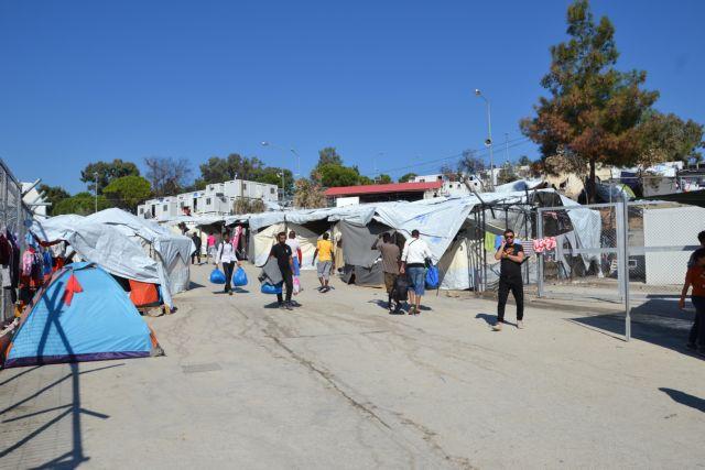 The Times: Χωματερές για πρόσφυγες τα ελληνικά νησιά | in.gr