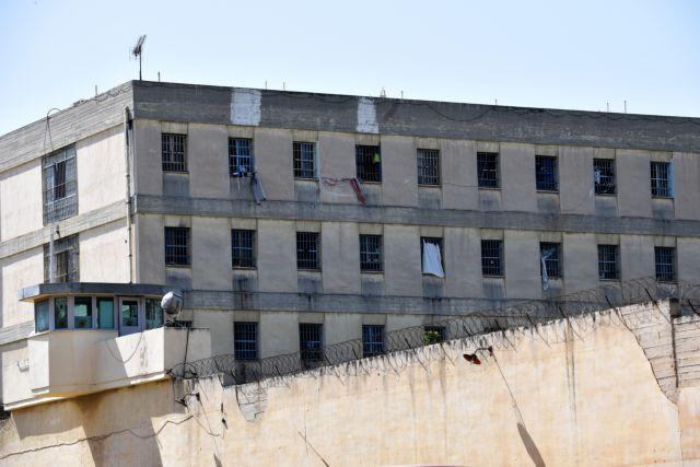 Συμπλοκή στον Κορυδαλλό: Ποιος ήταν ο Έλληνας κρατούμενος που έσφαξαν και ο ρόλος της μαφίας | in.gr