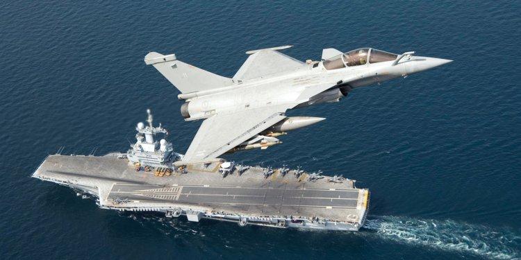 Γαλλικές αεροναυτικές δυνάμεις και ΗΠΑ στριμώχνουν την Τουρκία στην κυπριακή ΑΟΖ | in.gr