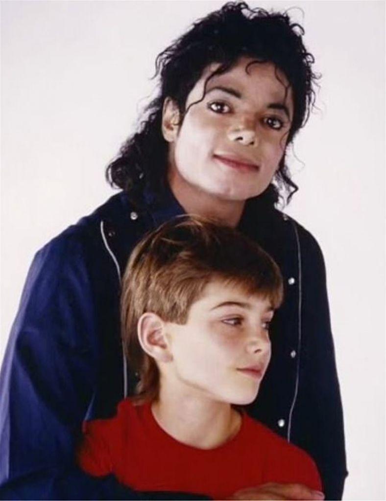 Σοκ: Το ντοκιμαντέρ για την κακοποίηση παιδιών από τον Μάικλ Τζάκσον | in.gr