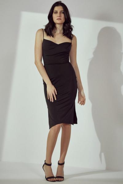 8e97f5c57564 Γιατί όλοι μιλούν για την νέα συλλογή ρούχων της Υβόννης Μπόσνιακ ...