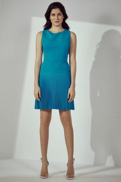 83567c0341f Γιατί όλοι μιλούν για την νέα συλλογή ρούχων της Υβόννης Μπόσνιακ ...