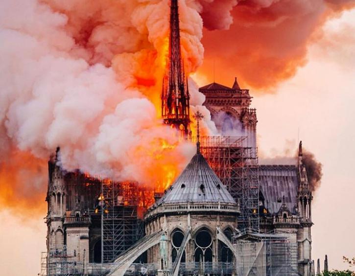 Έχει μεγαλύτερη αξία η Notre Dame από το Εθνικό Μουσείο Βραζιλίας;