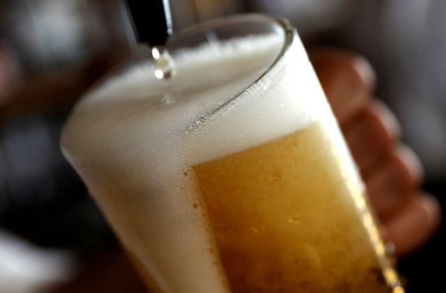 Γλυφοσάτη: Η πιθανώς καρκινογόνα ουσία βρέθηκε σε μπίρες, κρασιά και δημητριακά