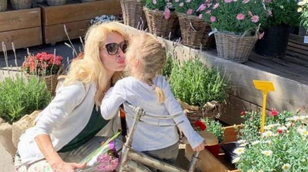 Τι είπε «on air» η Ελένη Μενεγάκη για την κόρη της Μαρίνα