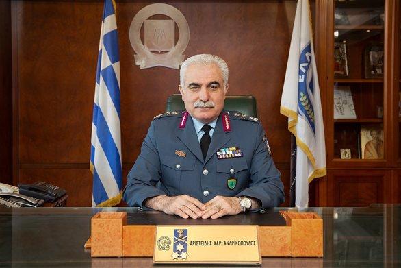 «Προσωρινή απόλυση»προβλέπεται για τον αρχηγό της ΕΛΑΣ που πήγε στη συγκέντρωση του ΣΥΡΙΖΑ | in.gr
