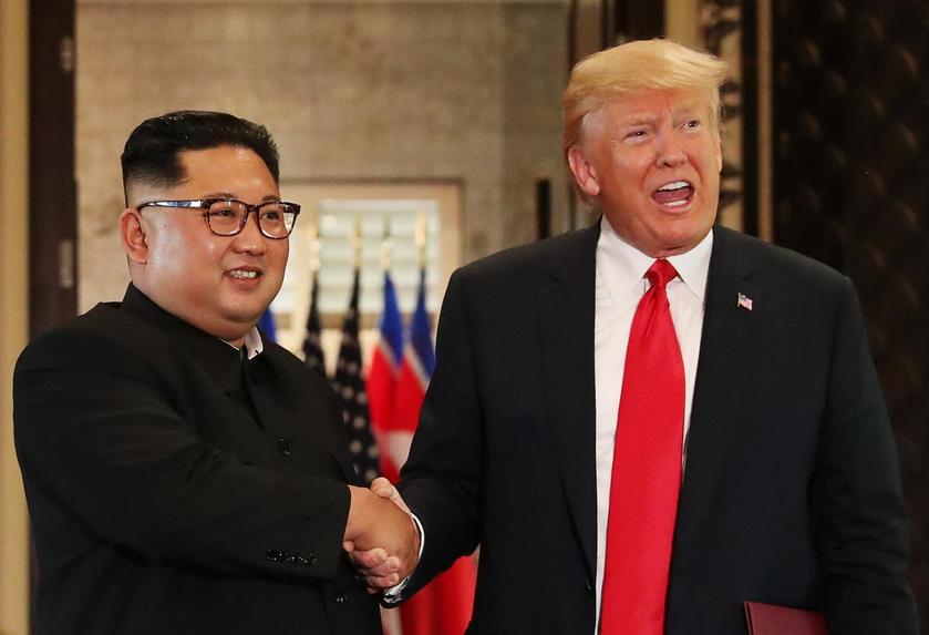 Τραμπ: Δεν τίθεται προς το παρόν θέμα εμπιστοσύνης μετά τις πρόσφατες δοκιμές πυραύλων από τη Βόρεια Κορέα