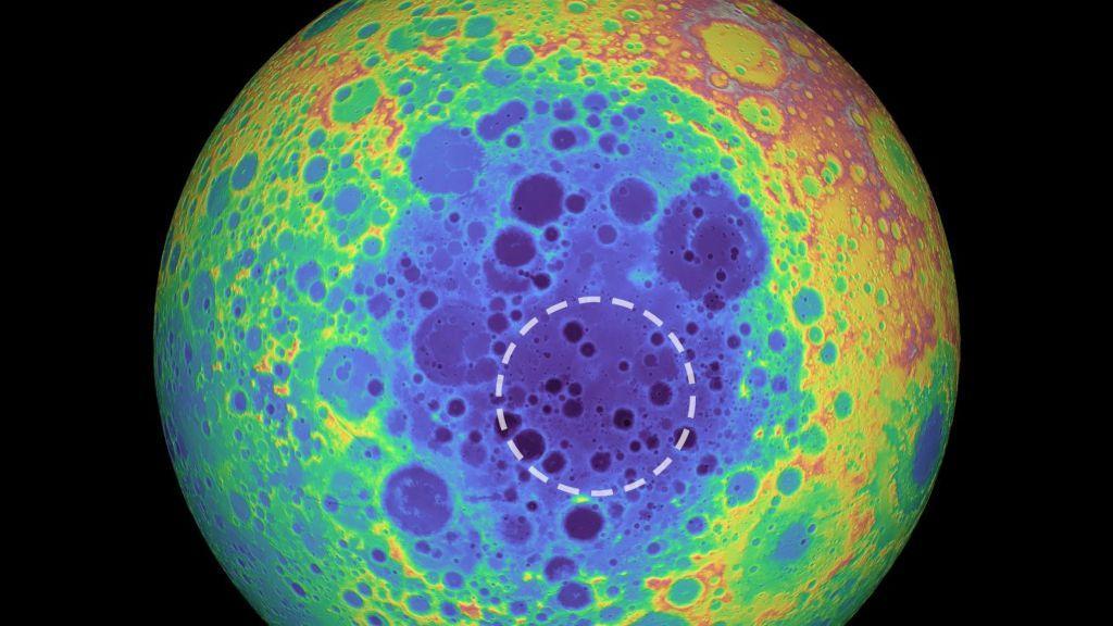 Εντοπίσθηκε μια τεράστια μυστηριώδης μεταλλική μάζα κάτω από τη σκοτεινή πλευρά της Σελήνης