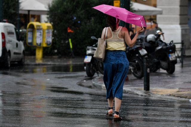 Καιρός: Συνεχίζονται και την Πέμπτη οι καταιγίδες και το χαλάζι – Δείτε πού θα χτυπήσουν