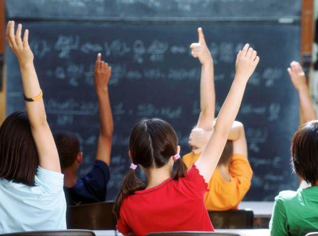 Αποτέλεσμα εικόνας για Χωρίς θρήσκευμα τα απολυτήρια των μαθητών φέτος