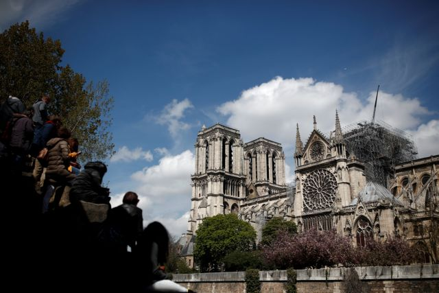 Παναγία των Παρισίων: Σήμερα η πρώτη λειτουργία δύο μήνες μετά την πυρκαγιά