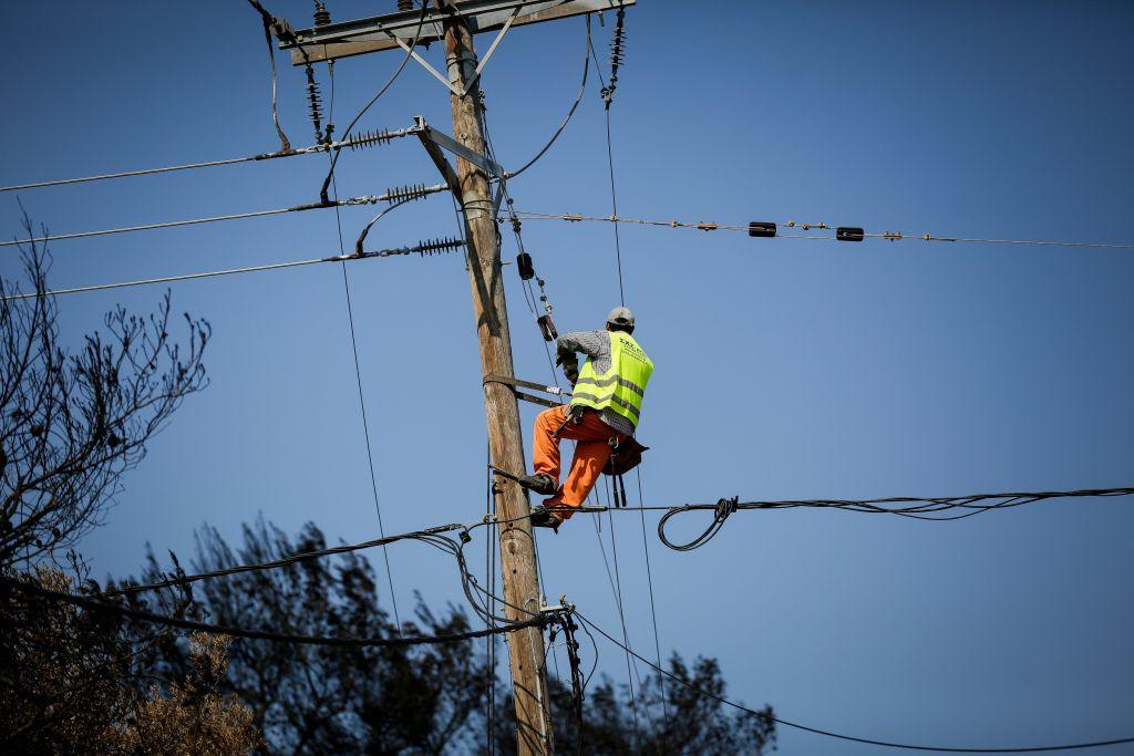 ΔΕΗ: Φόβοι για νέες διακοπές ρεύματος – Με εξώδικα θέλουν να μαζέψουν οφειλές 1 δισ. ευρώ [VIDEO]